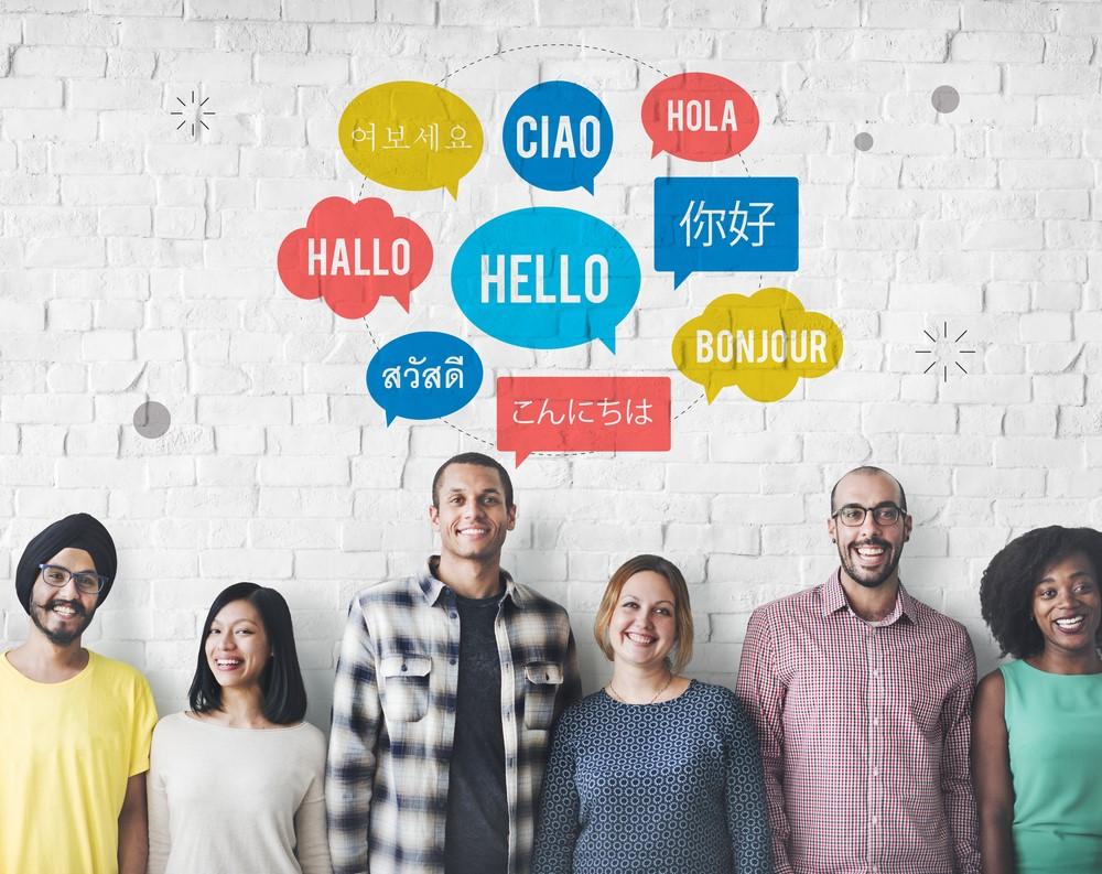 Bạn có thể phục vụ tốt một vị khách nước ngoài nếu không thông thạo ngoại ngữ?