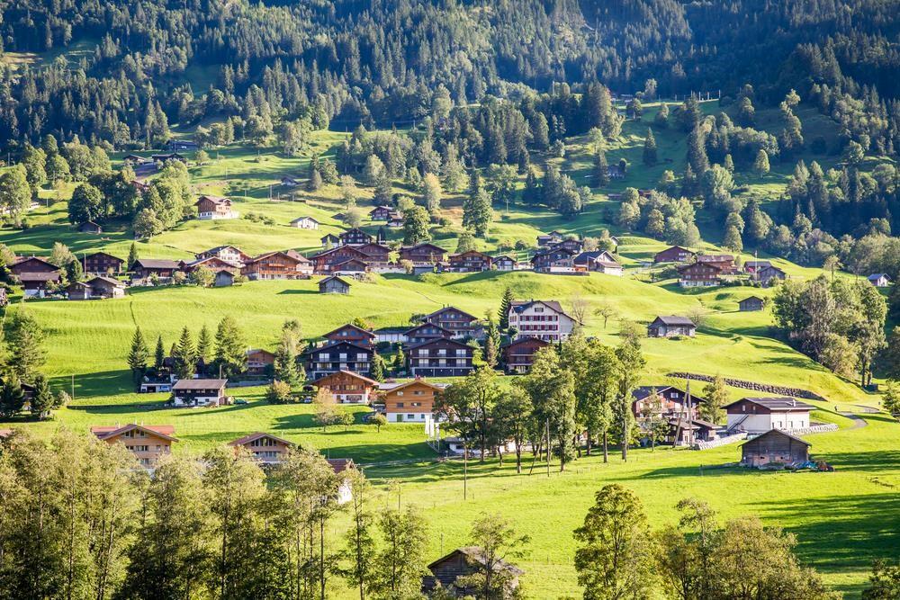 Và là một trong những khu nghỉ mát trên núi lâu đời nhất Châu Âu. Ảnh: Shutterstock