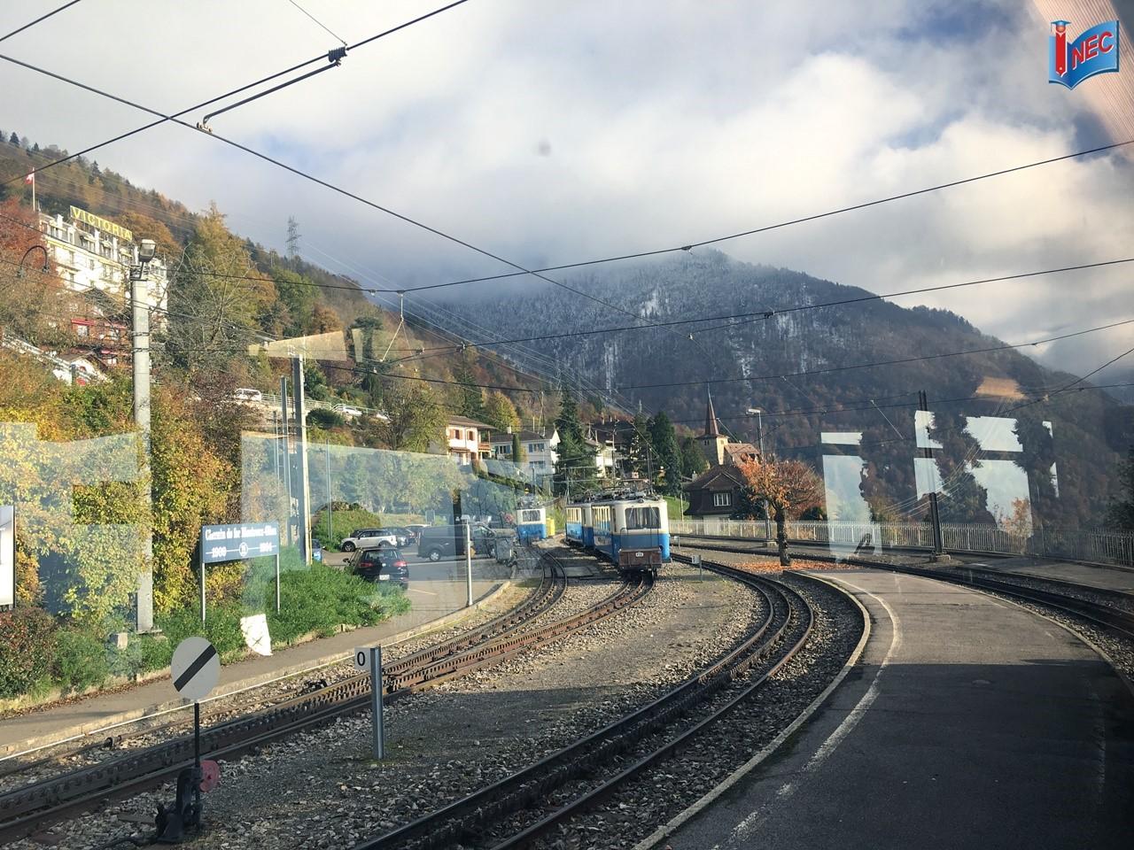 Trên chuyến tàu đưa INEC trở về Montreux