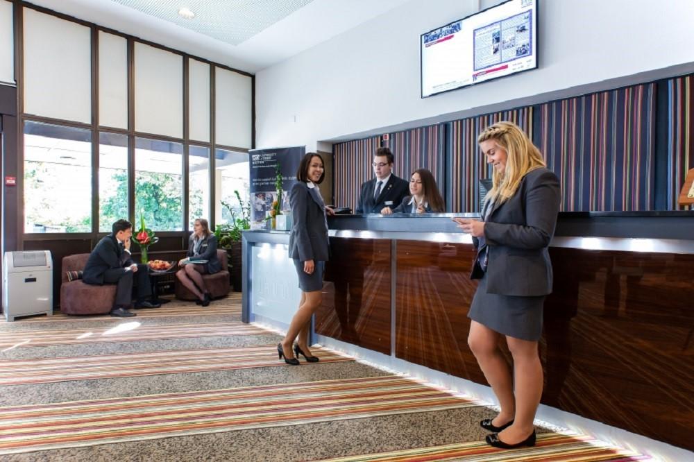 Học viện IHTTI - Trường quản trị và thiết kế khách sạn hàng đầu Thụy Sĩ
