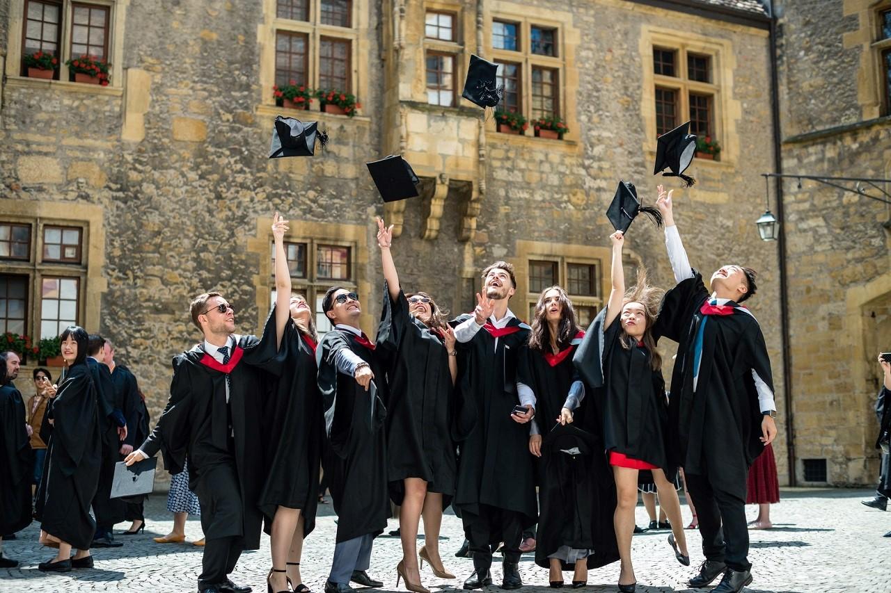 Sinh viên Học viện IHTTI