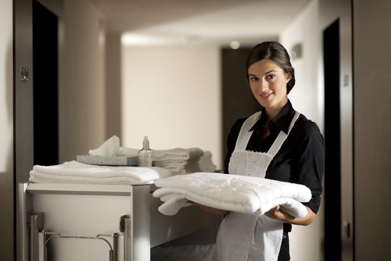 Đặc thù chung của ngành Nhà hàng khách sạn là bạn phải biết làm tất cả mọi thứ