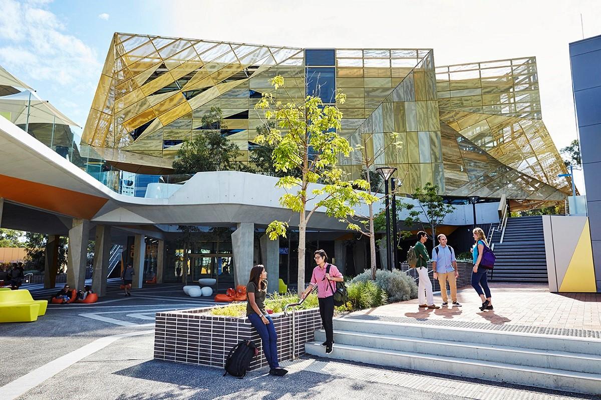 Các khóa học tại ECU được chứng nhận chất lượng từ các tổ chức nghề nghiệp uy tín