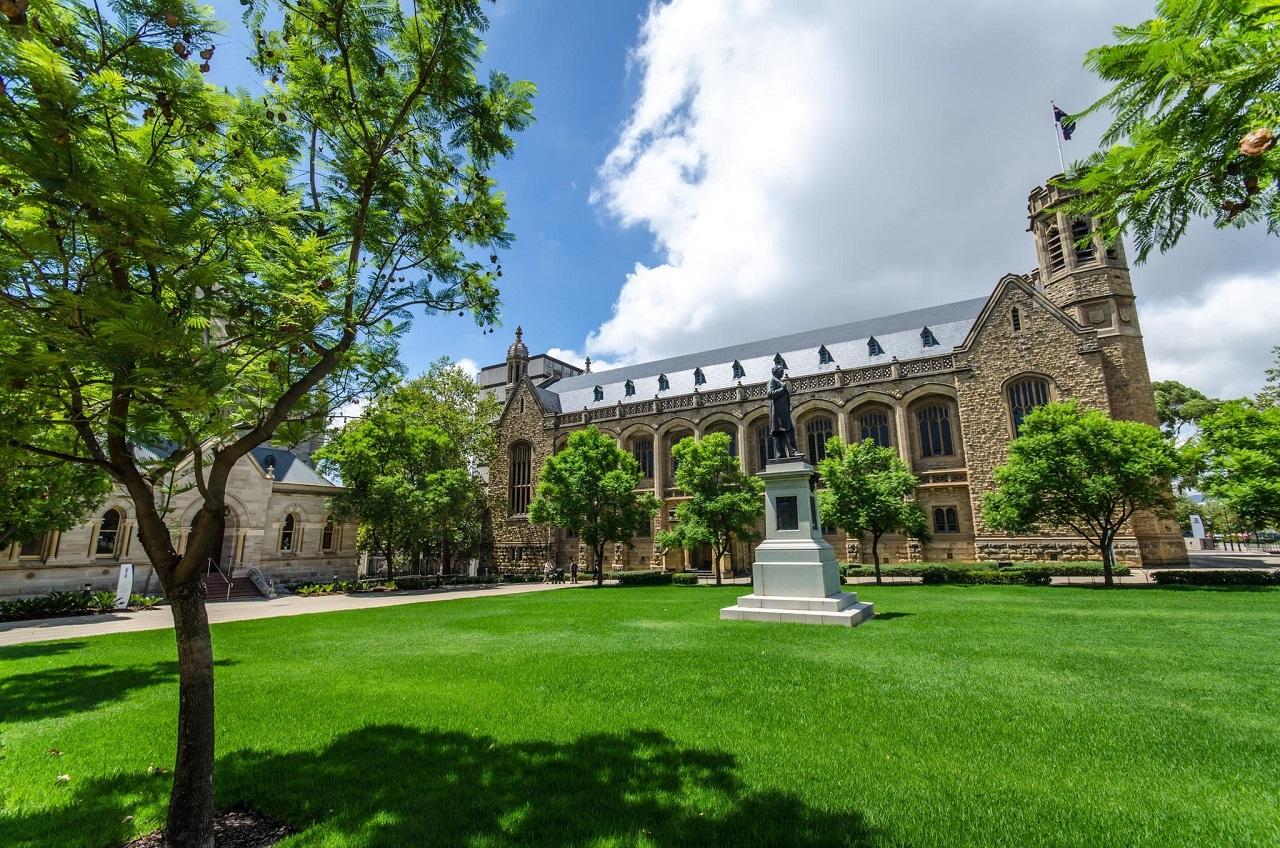 Eynesbury là trường duy nhất của Navitas có liên kết với trường đại học top 8 nước Úc