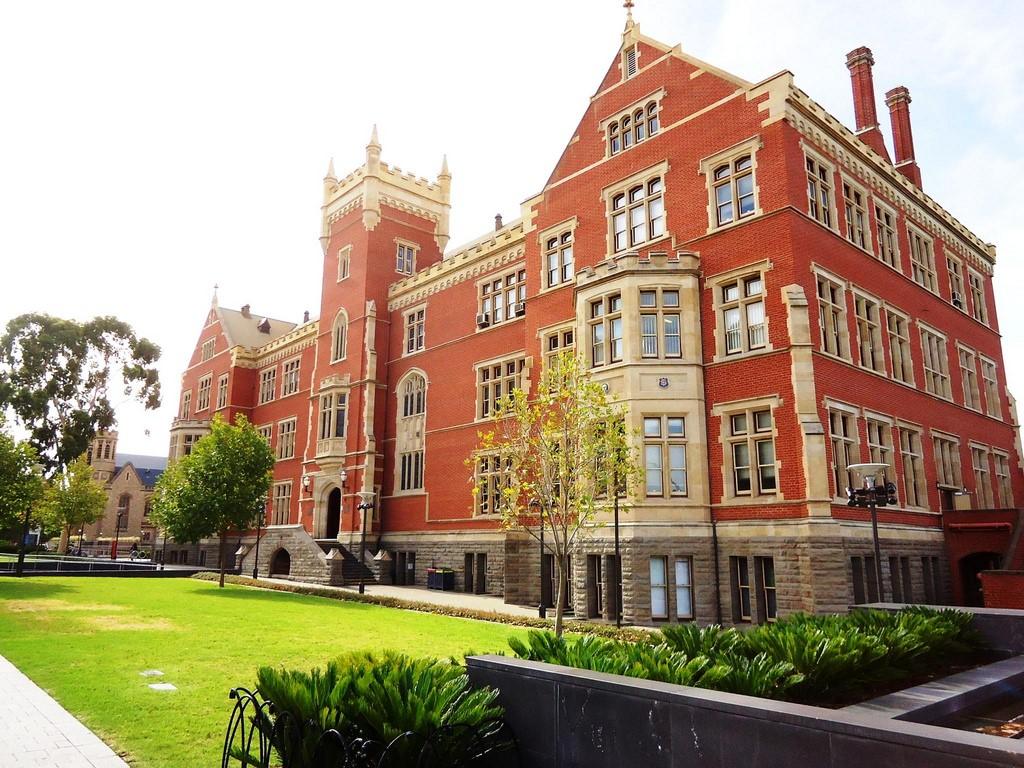 Những khóa học tại Eynesbury giúp học sinh chuyển tiếp vào Đại học Adelaide