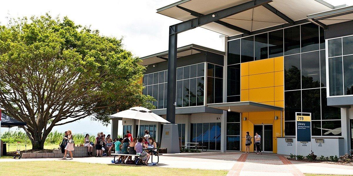 CQU nằm trong top 150 trường đại học trẻ dưới 50 tuổi của thế giới