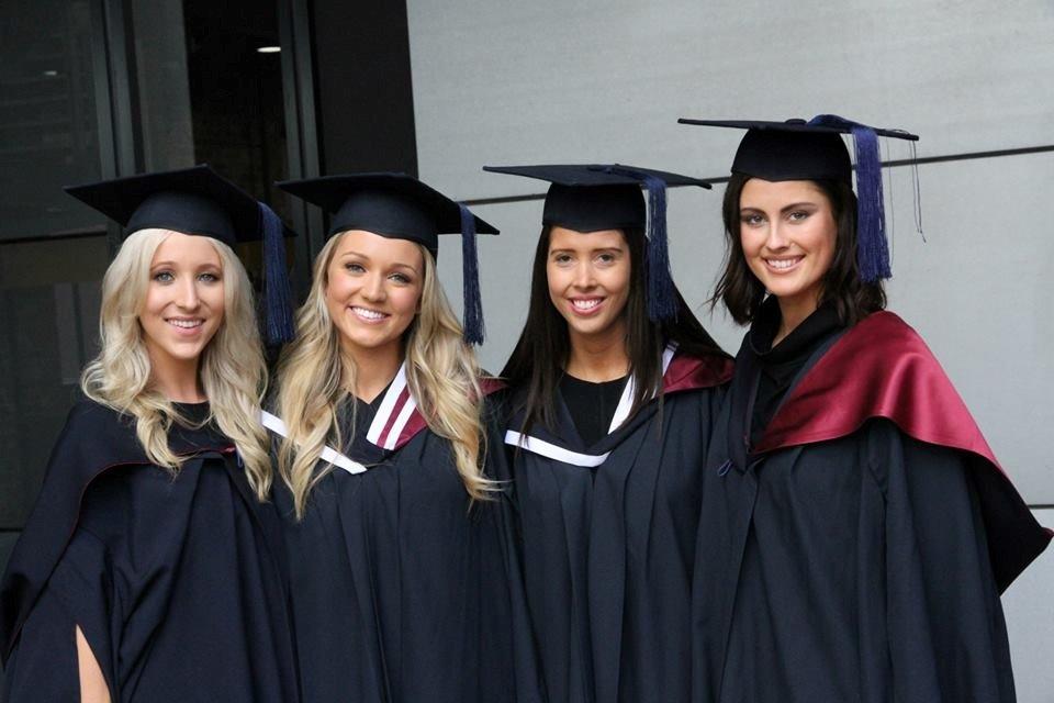 Sinh viên Đại học Deakin