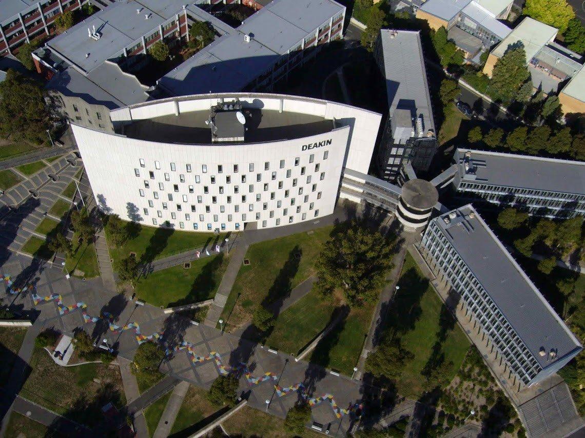 Khuôn viên rộng lớn của Đại học Deakin nhìn từ trên cao