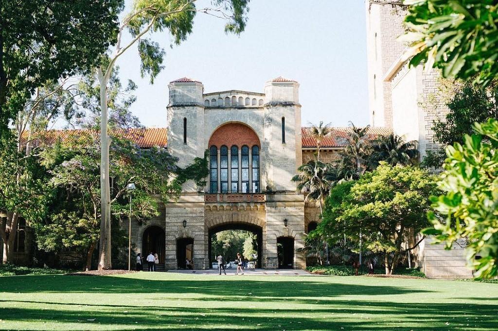 Đại học Tây Úc là thành viên của nhóm 8 trường đại học nghiên cứu Úc