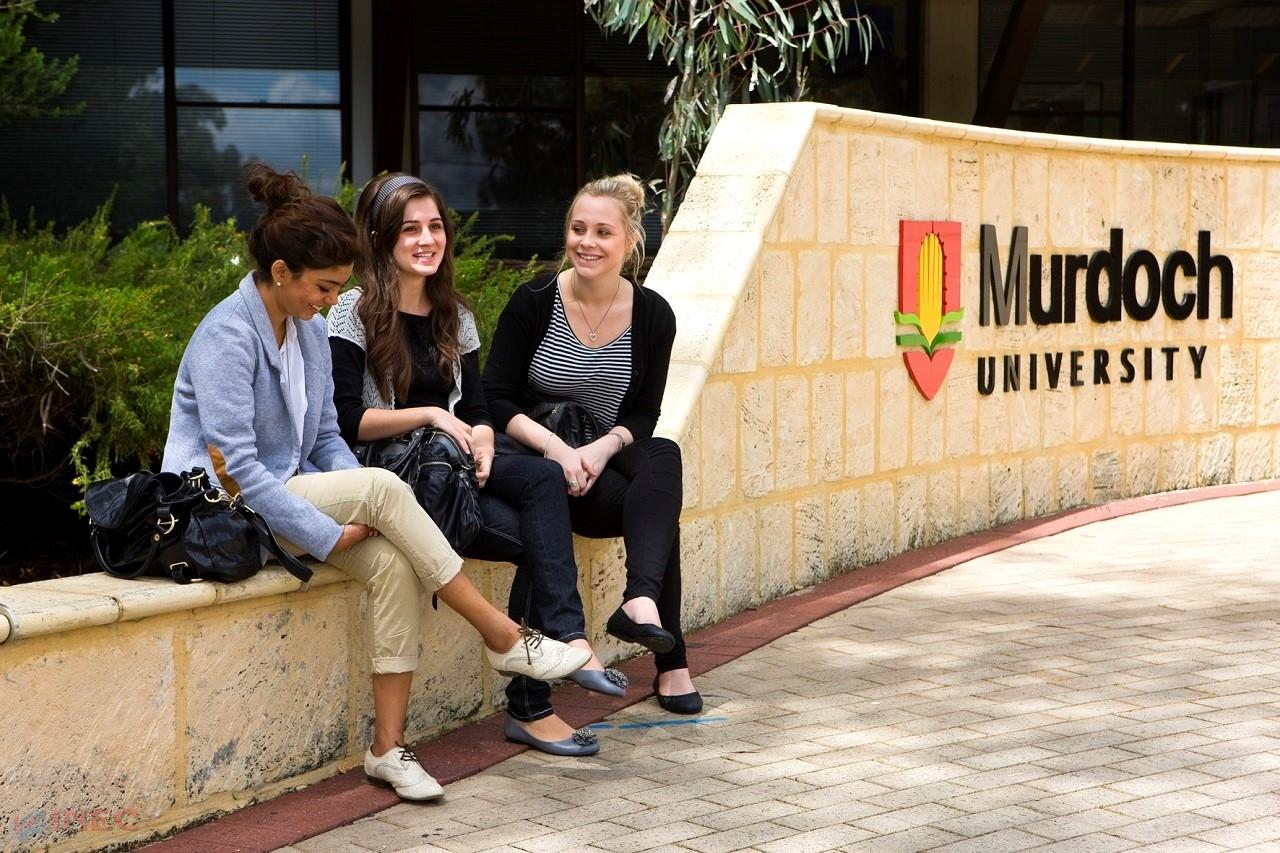 Đại học Murdoch là một trong những ngôi trường lớn nhất tại Úc