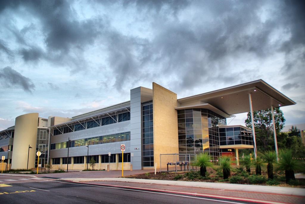 Đại học Murdoch là ngôi trường có diện tích lớn nhất tại Úc