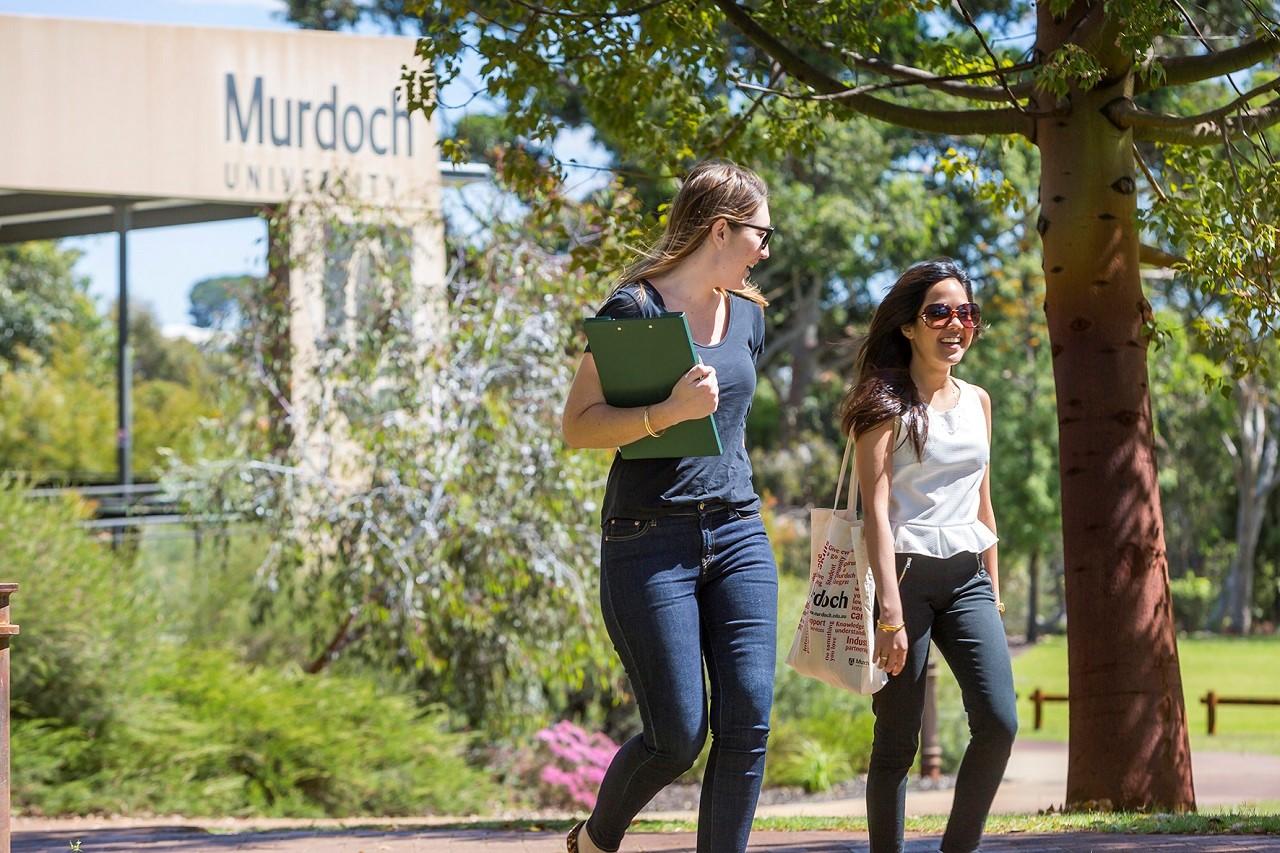 Trung bình mức lương khởi điểm sinh viên Murdoch là 60.000 – 80.000 AUD/năm