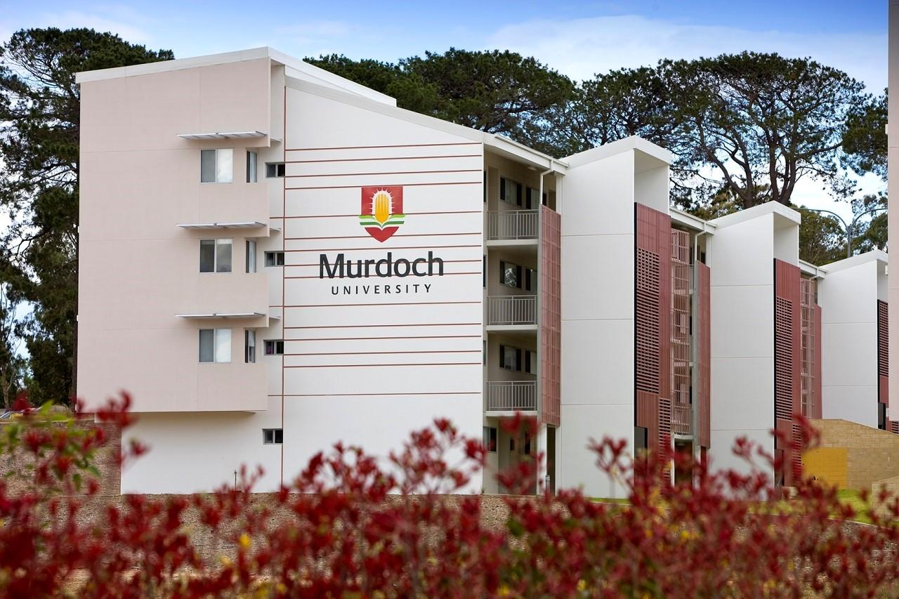 Đồng thời, Murdoch cũng là ngôi trường có khuôn viên rộng nhất nước Úc