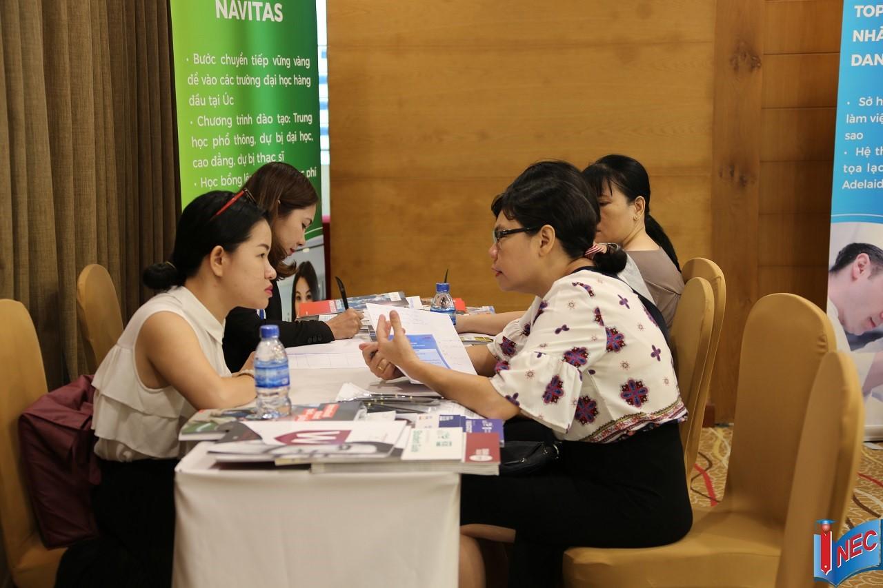 Đại diện Tập đoàn Giáo dục Navitas, chuyên cung cấp các khóa học nền tảng để HSSV Việt Nam chuyển tiếp thành công vào 13 trường đại học top đầu nước Úc