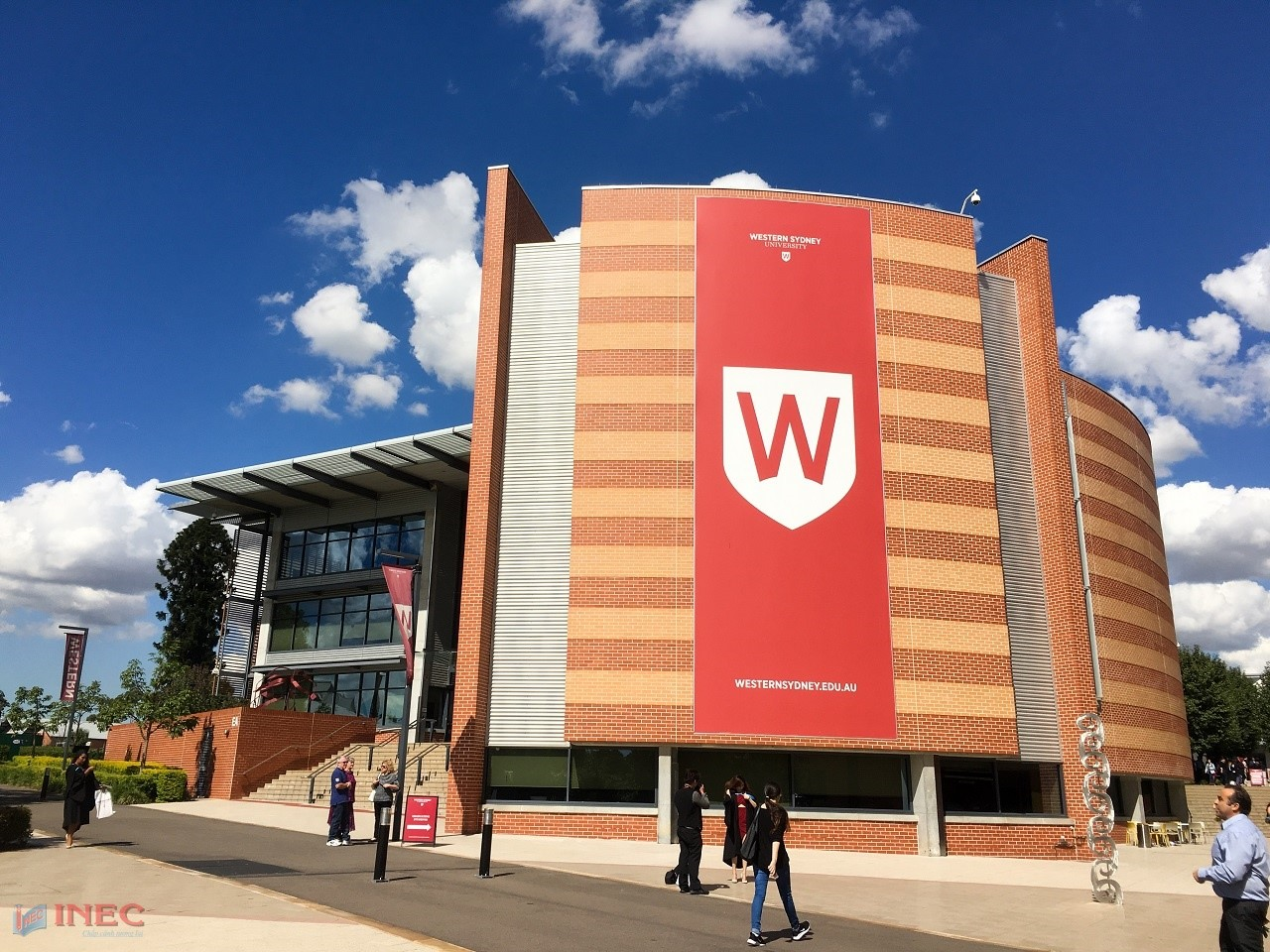 Western Sydney là trường đại học có học phí rất cạnh tranh, chỉ từ 23.000 AUD/năm