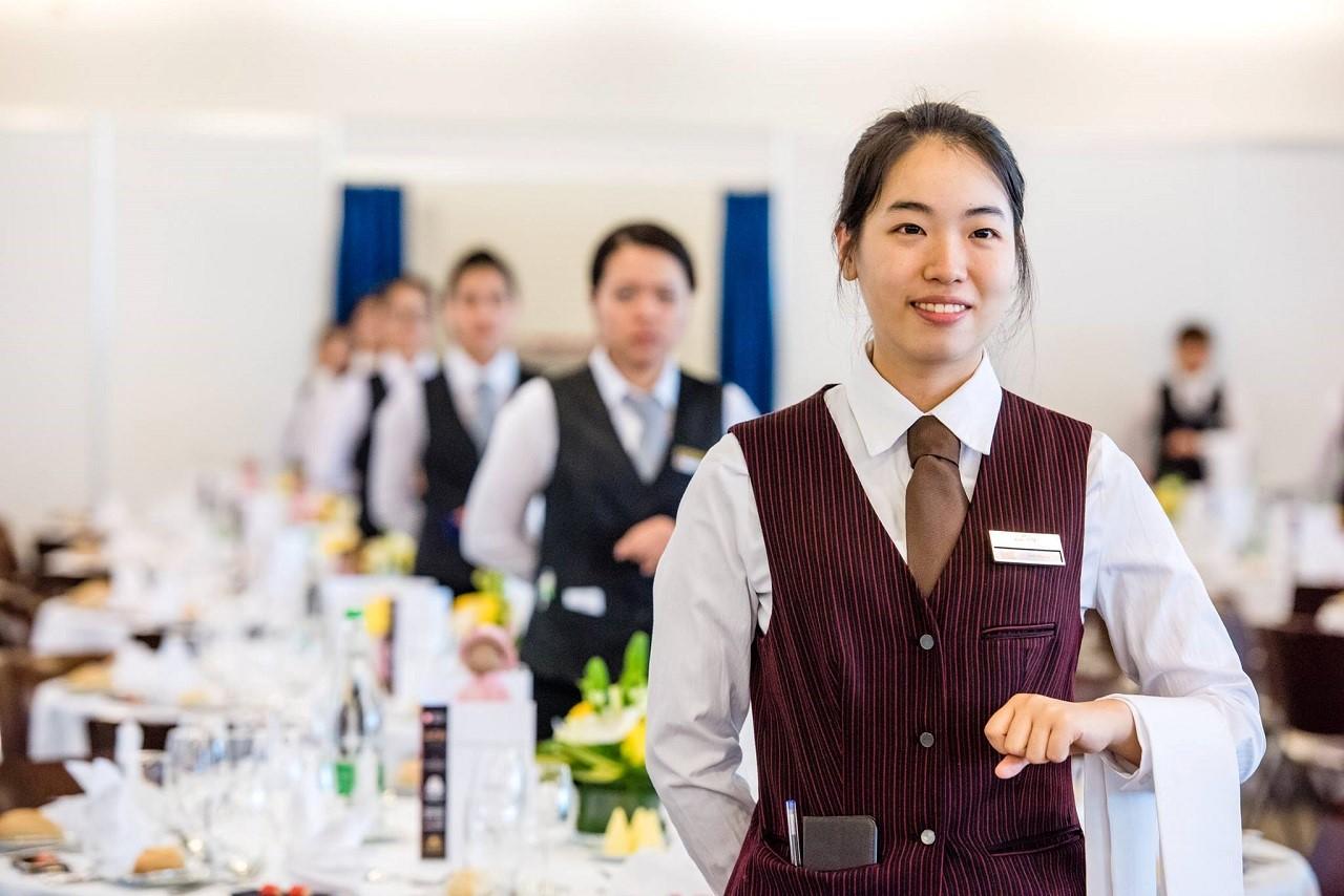 Học quản trị nhà hàng khách sạn ra làm gì 3