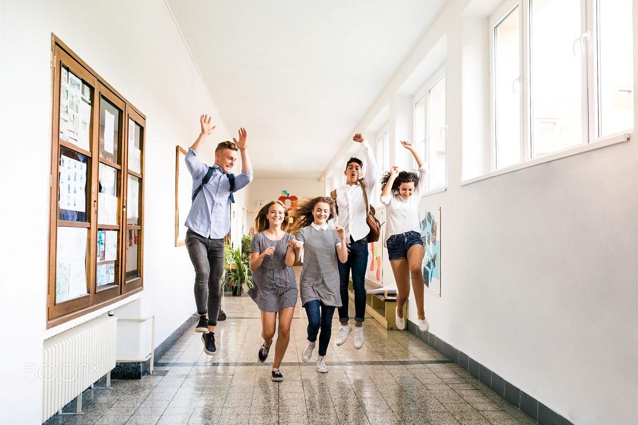 Sinh viên nên làm hồ sơ du học Úc trước kỳ khai giảng 3 tháng