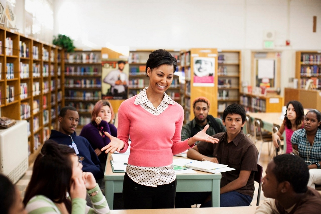 Đồng thời được chú trọng phát triển kỹ năng học tập, ngoại ngữ