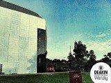 """Đại học Deakin lọt vào """"top 100 các trường Đại học trẻ"""" trên thế giới"""