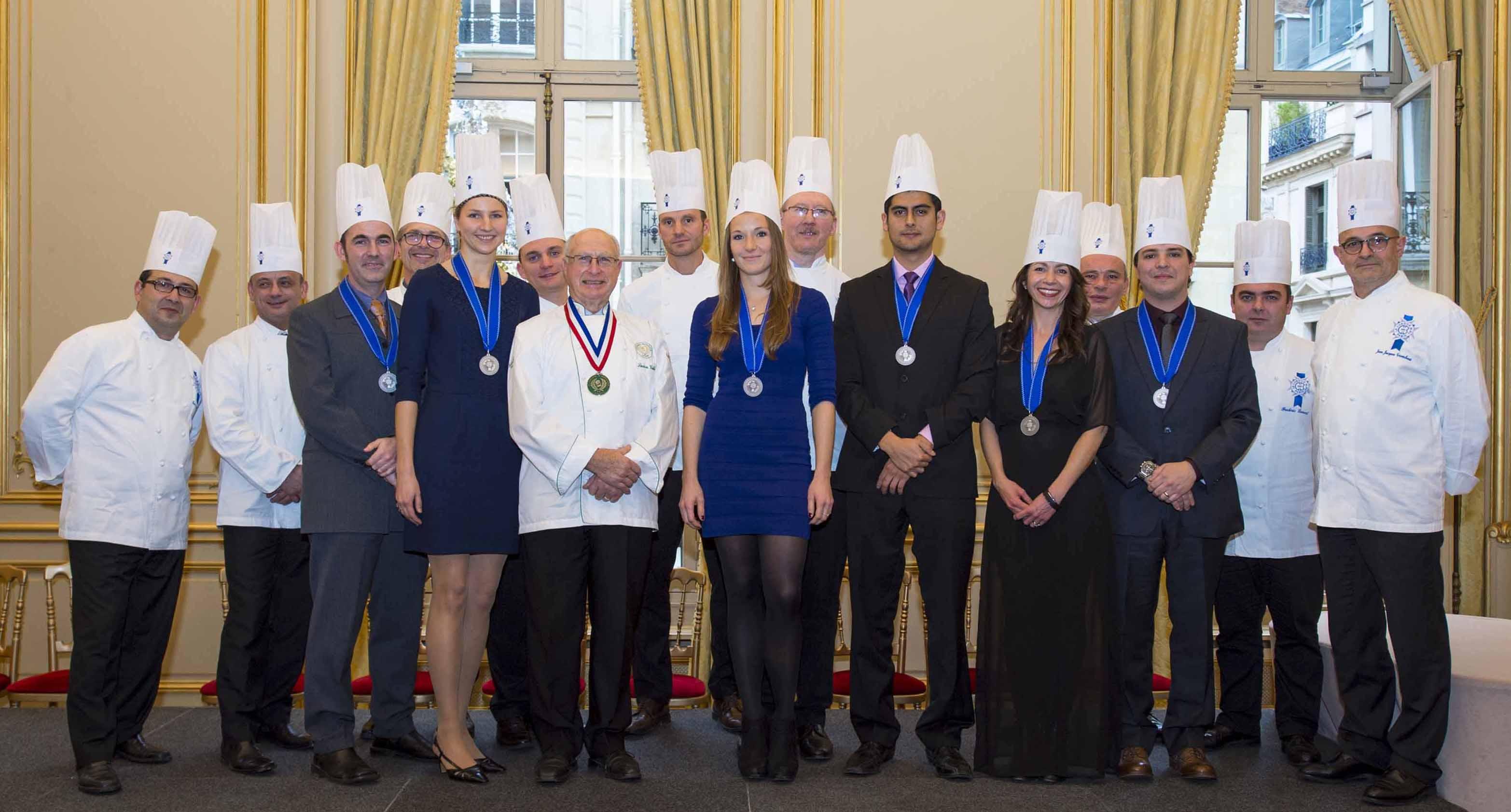 Sinh viên trường Le cordon Bleu chia sẻ một số kinh nghiệm về du học Úc. Cordon Bleu nổi tiếng về ngành nấu ăn,ngành quản trị nhà hàng khách sạn,quản trị nấu nướng.
