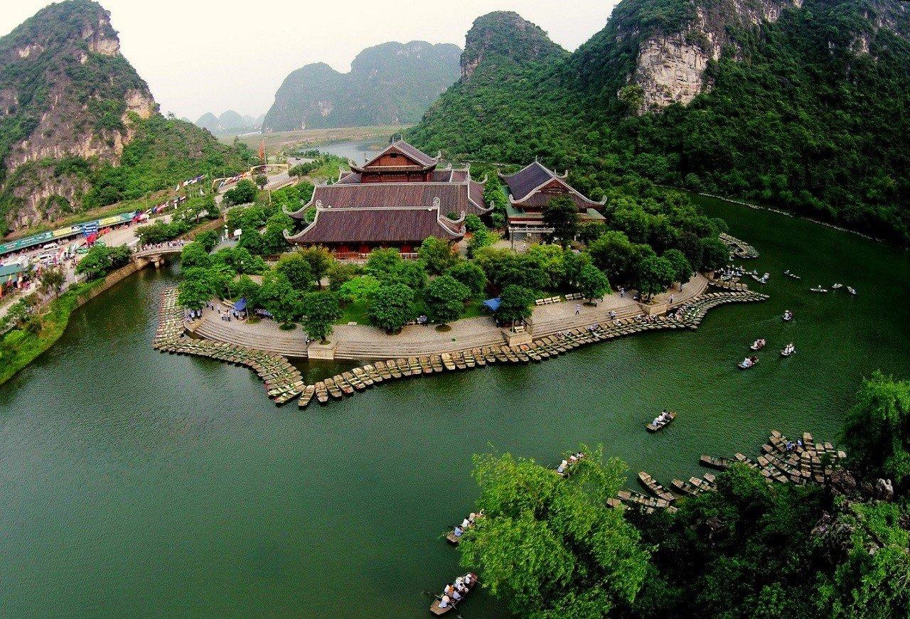 Chùa Bái Đính thuộc quần thể du lịch Tràng An – Ninh Bình