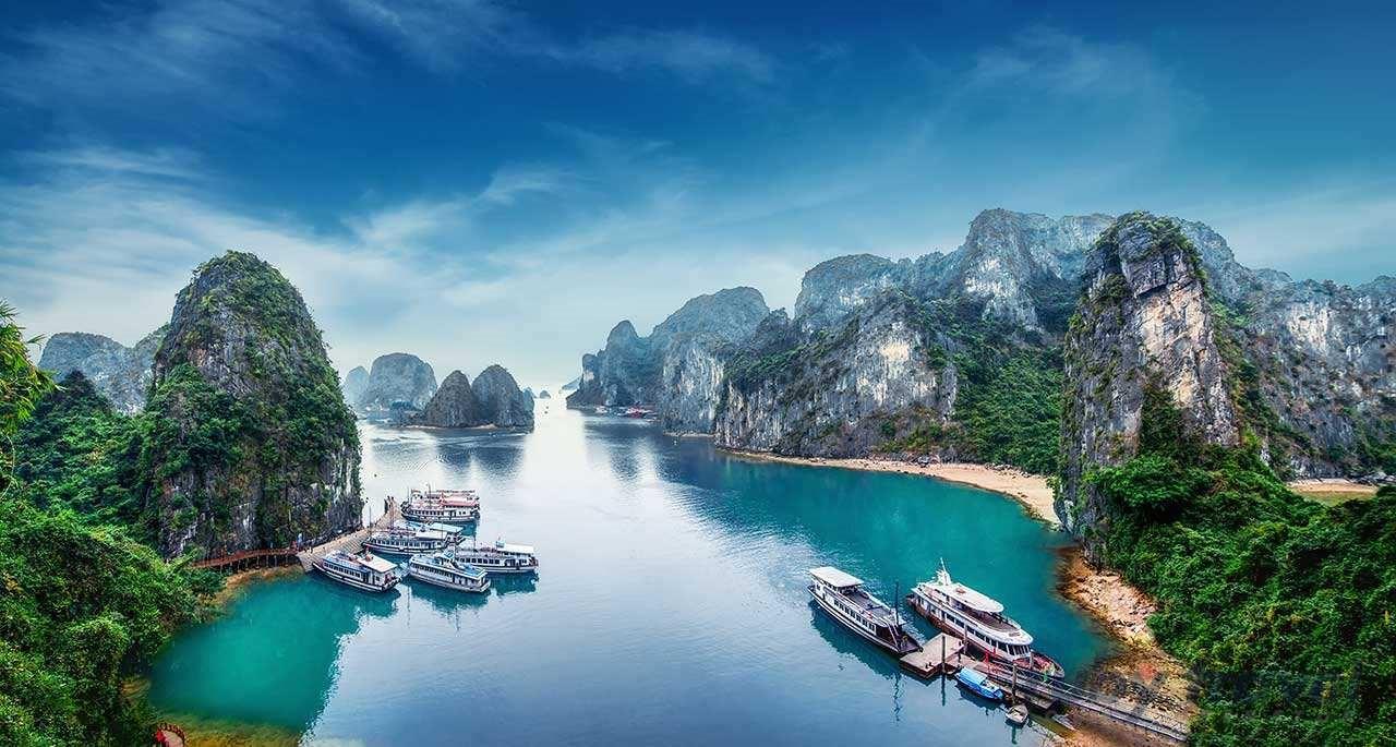 Vịnh Hạ Long tuyệt đẹp từng xuất hiện trong siêu phẩm Kong