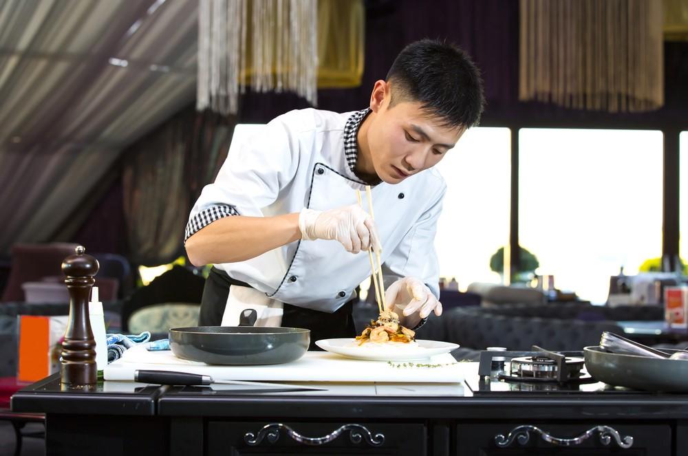 """Đều bếp được ví như """"linh hồn"""" của các nhà hàng khách sạn. Ảnh: Shutterstock"""