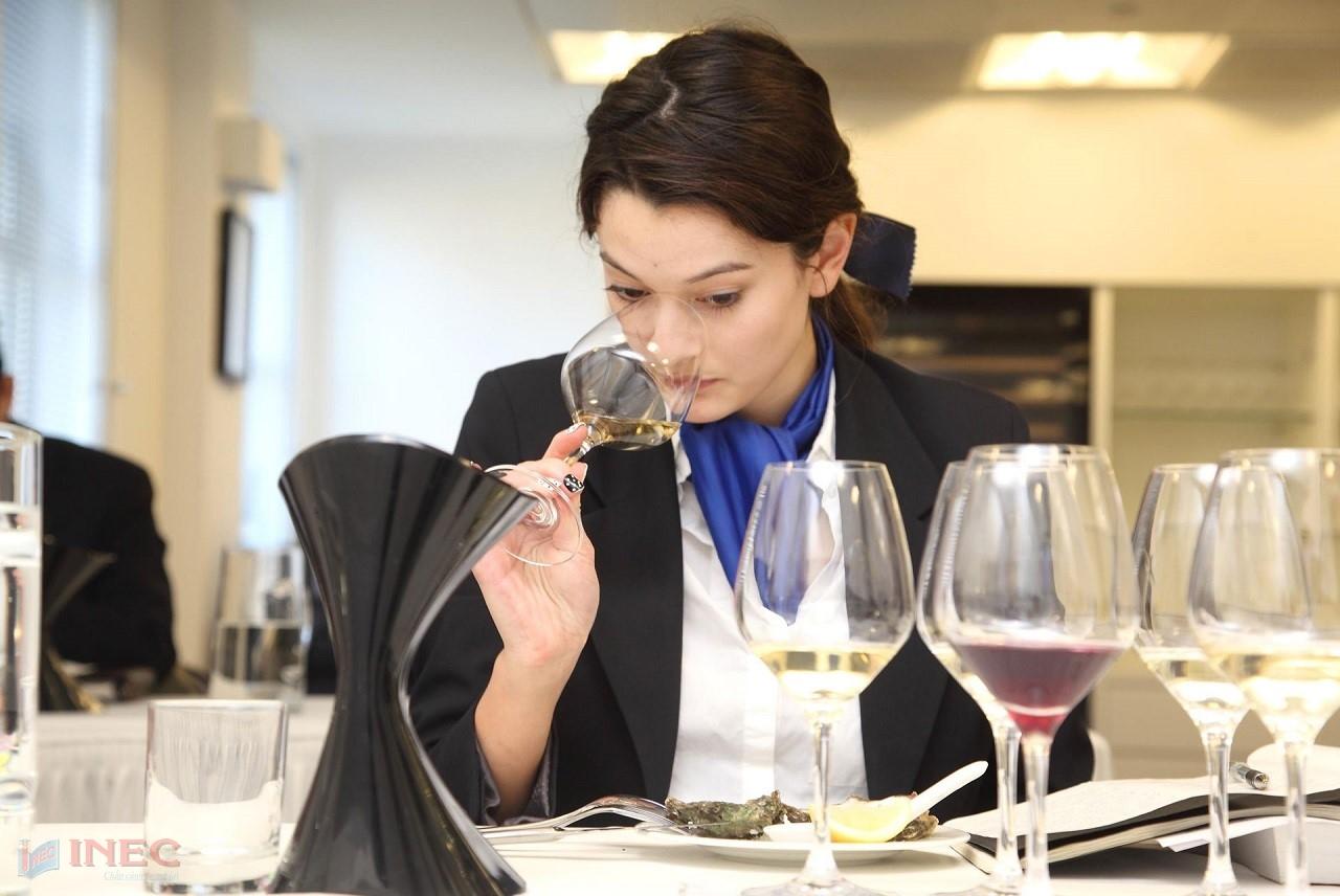 Cọ xát năng lực và nâng cao chuyên môn với chương trình thực tập có lương