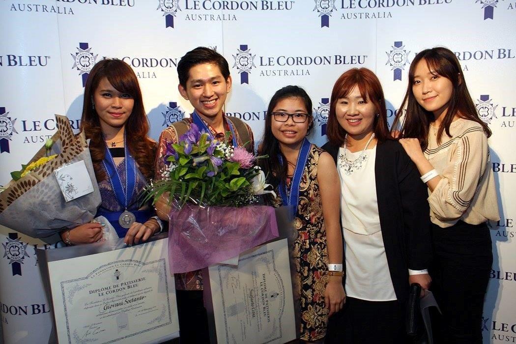 Sinh viên Học viện Le Cordon Bleu trong lễ tốt nghiệp