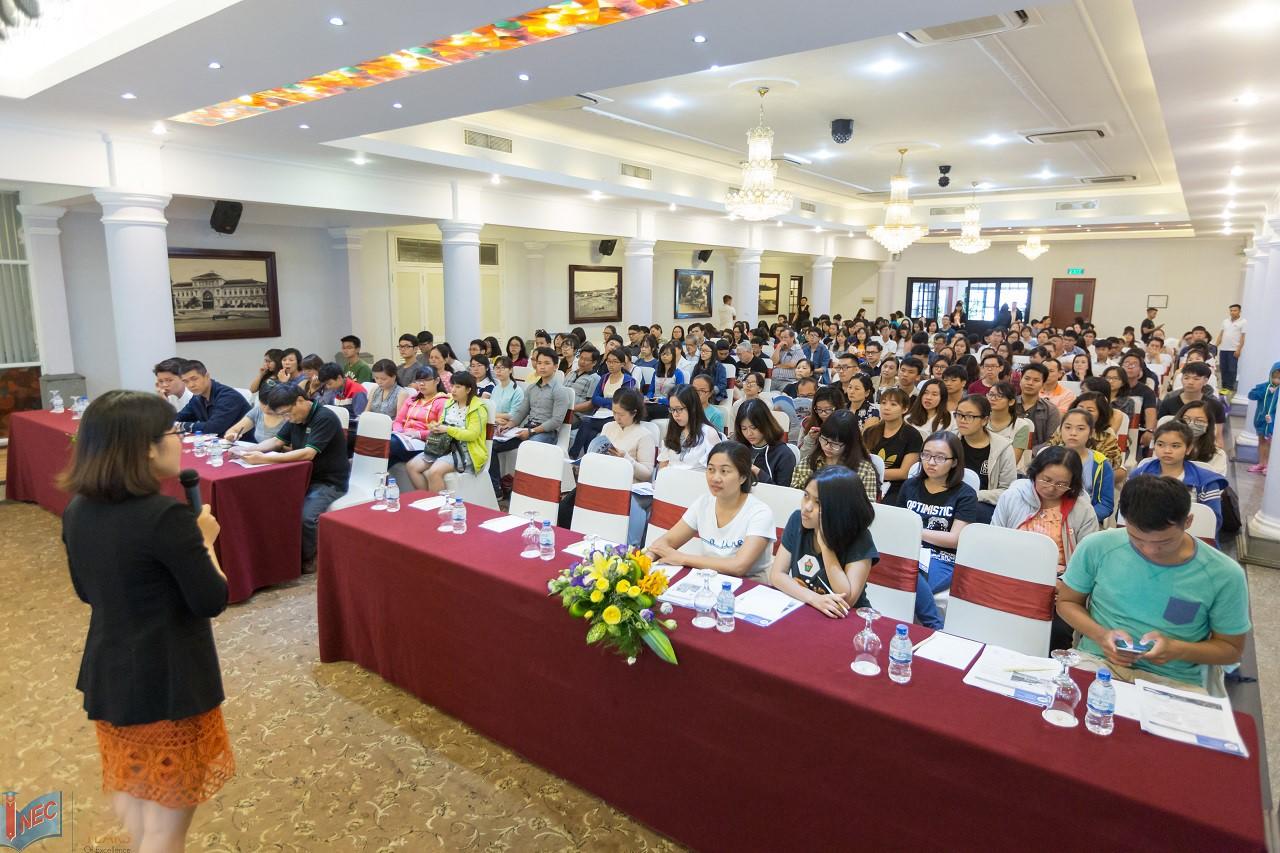 Hội thảo du học của INEC luôn thu hút đông đảo phụ huynh lẫn HSSV tham dự