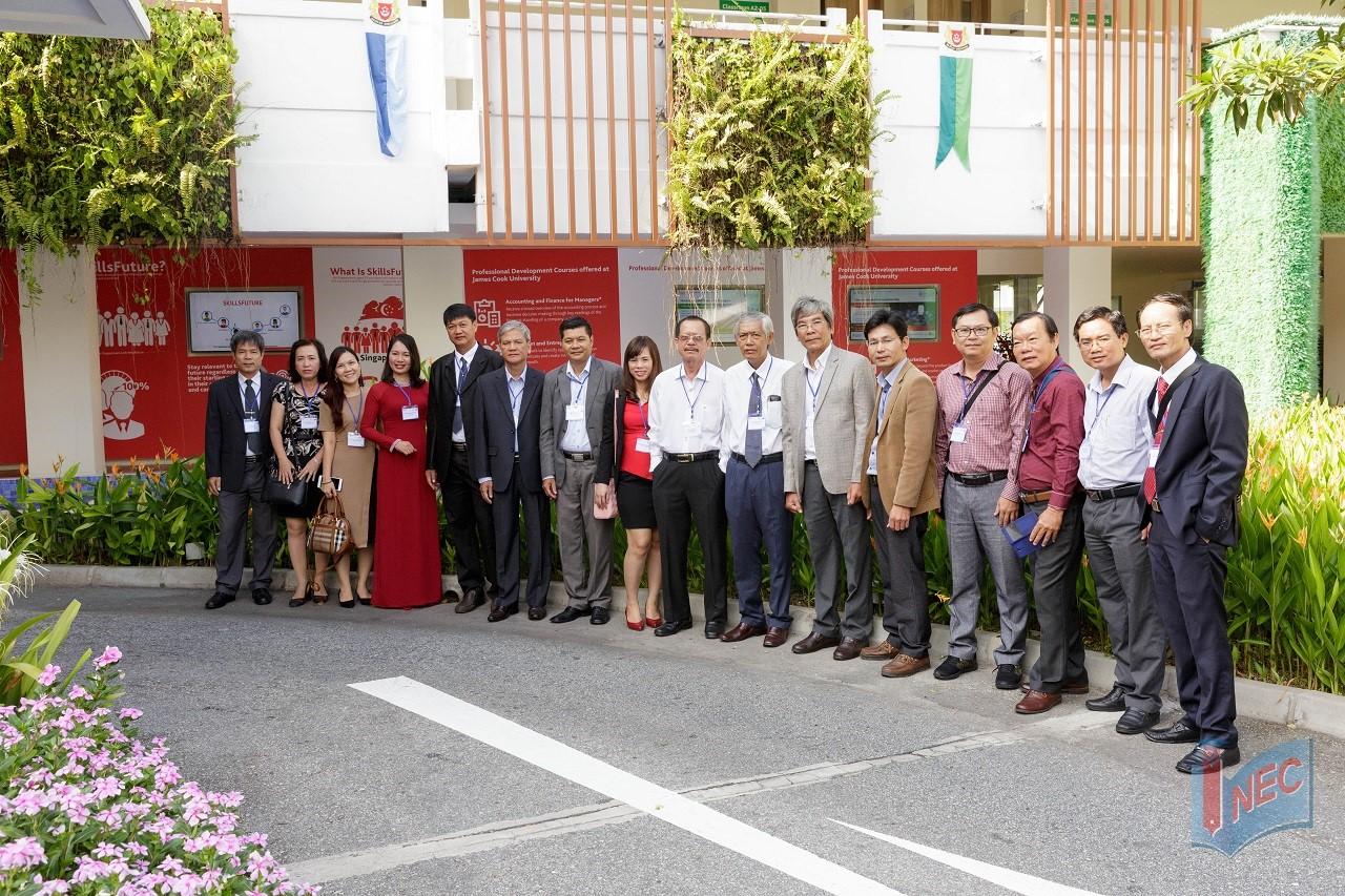 INEC tháp tùng ban giám hiệu các trường THPT Việt Nam sang gặp gỡ, giao lưu văn hóa tại Singapore