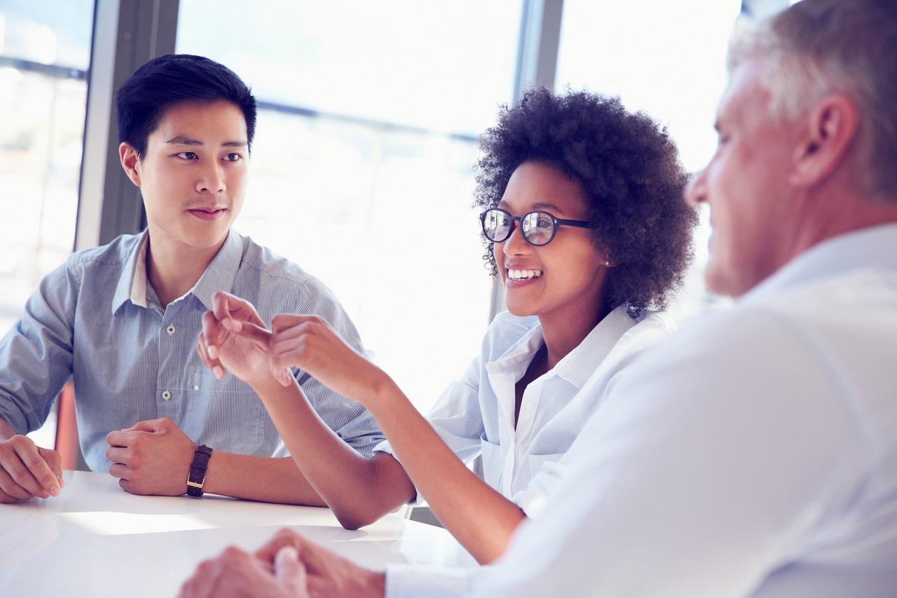Khám phá khả năng cạnh tranh của bạn cho học bổng qua ý kiến của bạn bè/đồng nghiệp/giáo viên