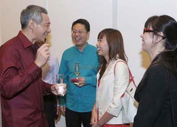 Nữ sinh Việt trường SMU được Thủ tướng Singapore tiếp chuyện