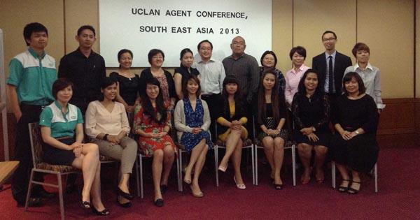 Du học Anh 2013 – Đại diện INEC tham dự buổi Training của Uclan tại Malaysia 3/2013