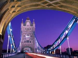 """Du học Anh 2014 – Vương quốc Anh """"thống trị"""" những Đại học tốt nhất châu Âu"""
