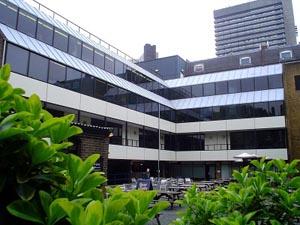Trường Thương mại London - LSC