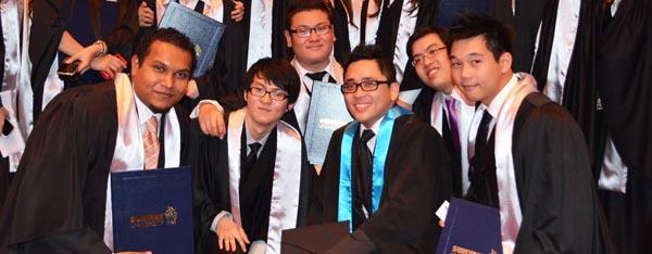 SV tốt nghiệp ĐH Sunway