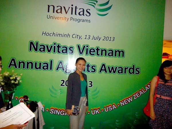 Nhân viên INEC tại buổi trao giải thưởng của Navitas