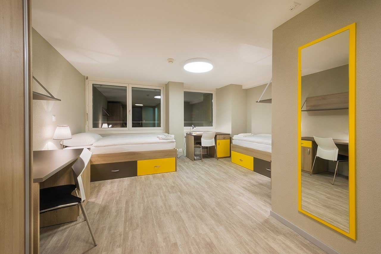 Học viện Khách sạn Montreux