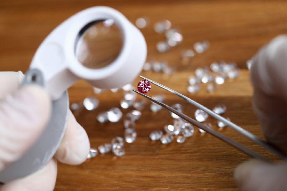 """Antwerp được mệnh danh là """"thủ phủ kim cương"""" khi xử lý khối lượng lớn kim cương thô toàn thế giới"""