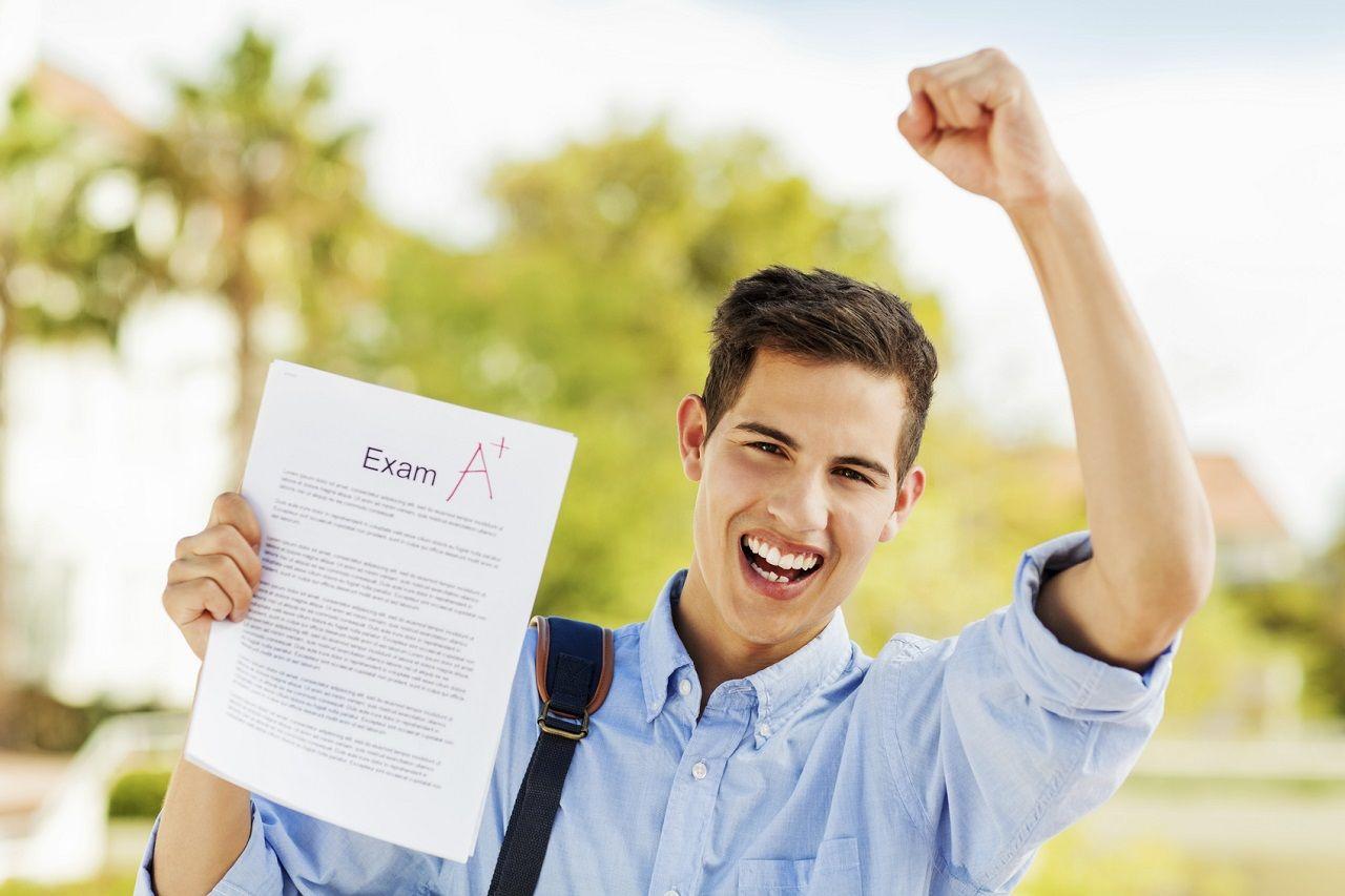 Điểm số cao chỉ là một phần trong tiêu chí xét chọn học bổng
