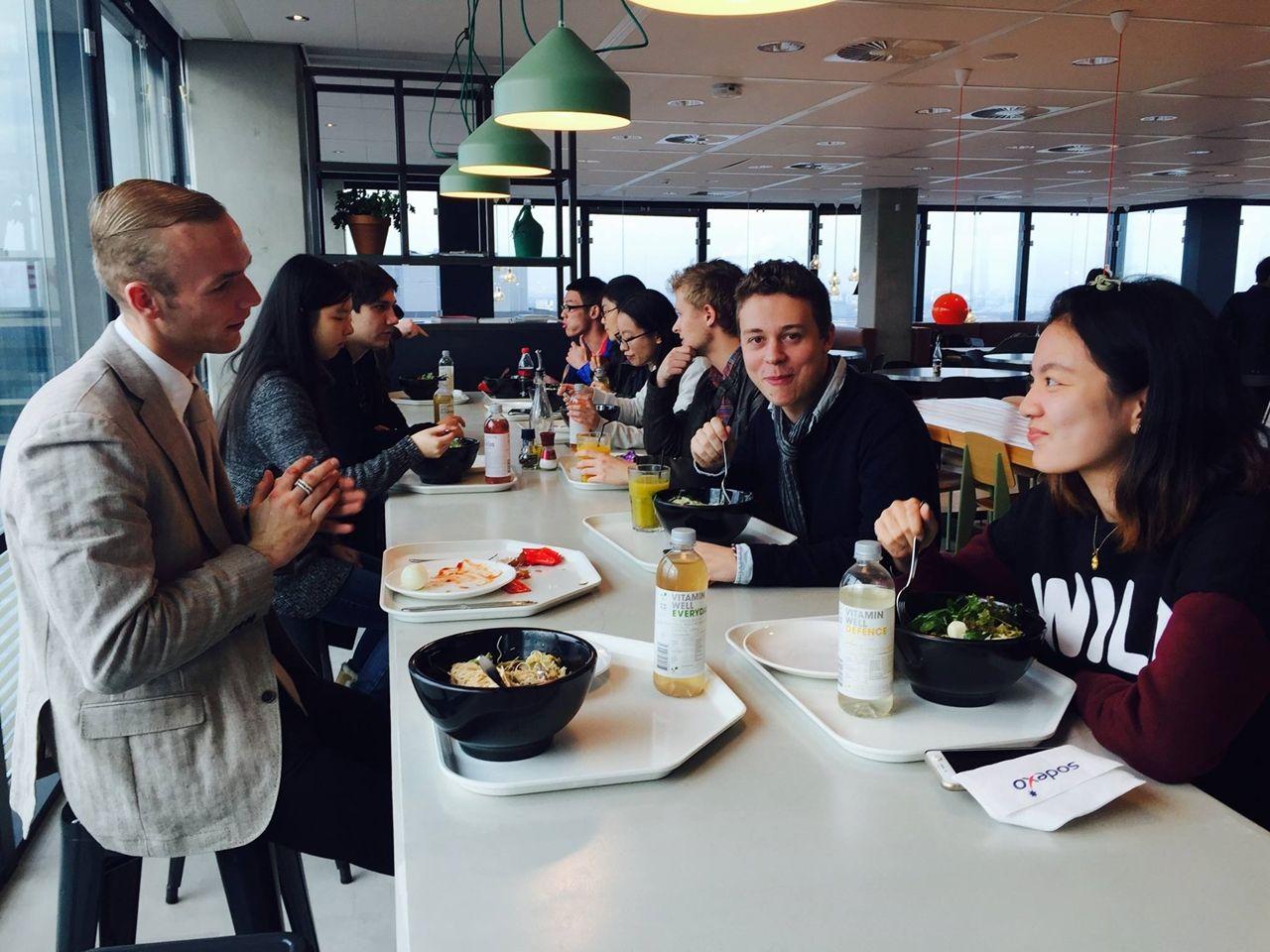 Mở rộng mạng lưới bạn bè quốc tế khi học tập tại Đại học KHUD Wittenborg