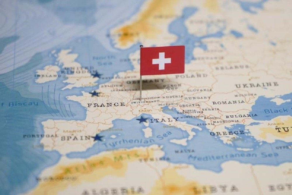 Sinh viên hoàn thành hồ sơ sớm được tặng vé máy bay đi Thụy Sĩ