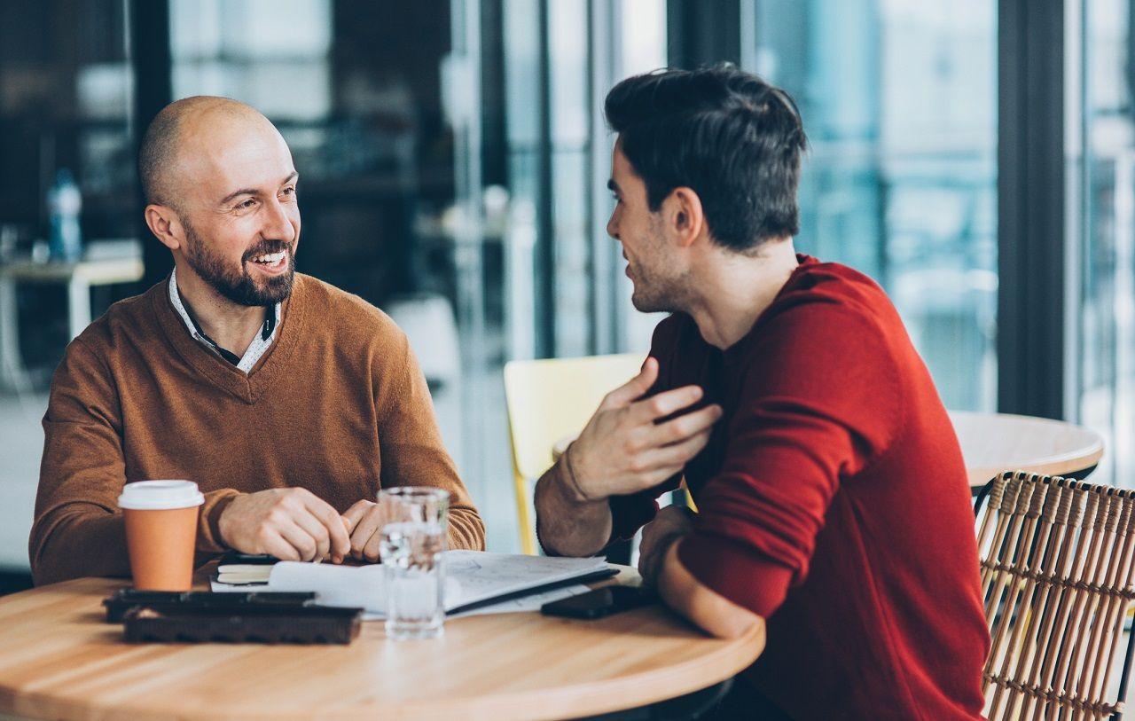 Bạn bè, hội nhóm, các mối quan hệ có thể đem đến cơ hội việc làm cho bạn
