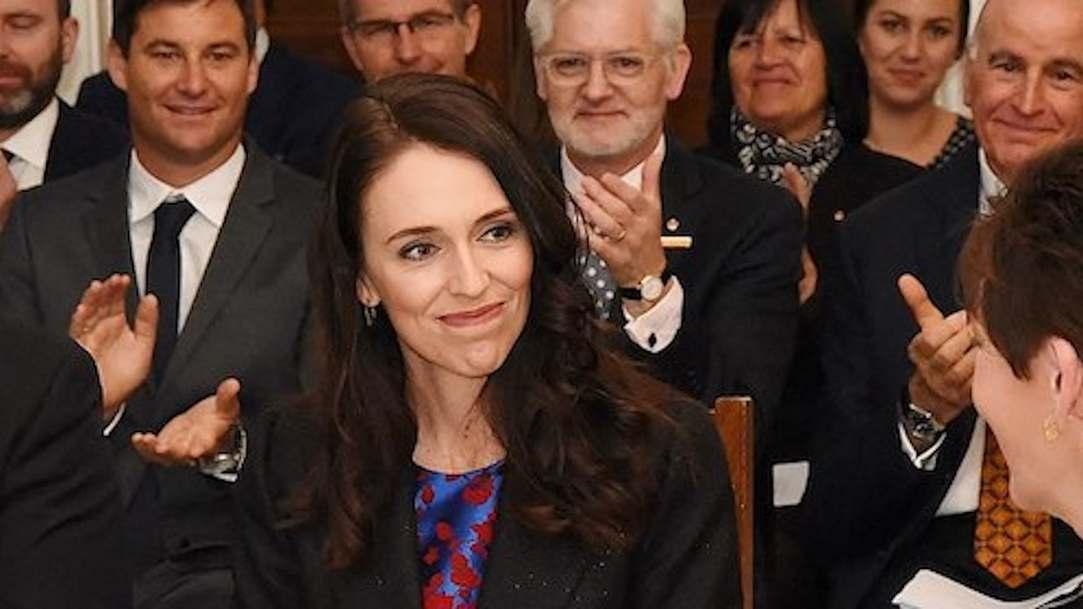 Bà Jacinda K.L. Ardern là nữ thủ tướng thứ ba và là người trẻ nhất trong lịch sử New Zealand. Bà Ardern là một trong những người có tầm ảnh hưởng nhất trên thế giới năm 2019 và là hình ảnh đại diện mạnh mẽ của phụ nữ.