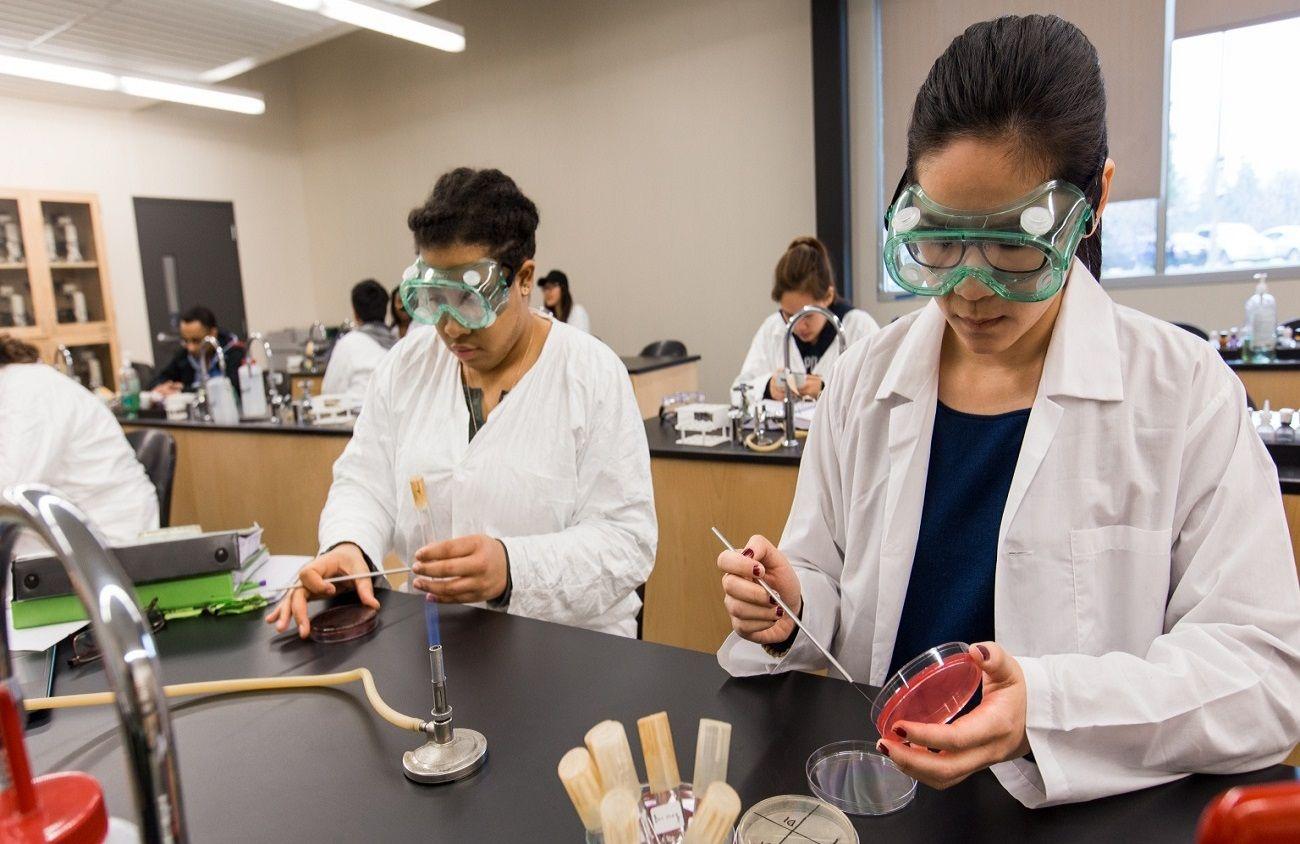 Phòng nghiên cứu - thí nghiệm khoa học tại Cao đẳng cộng đồng South Seattle