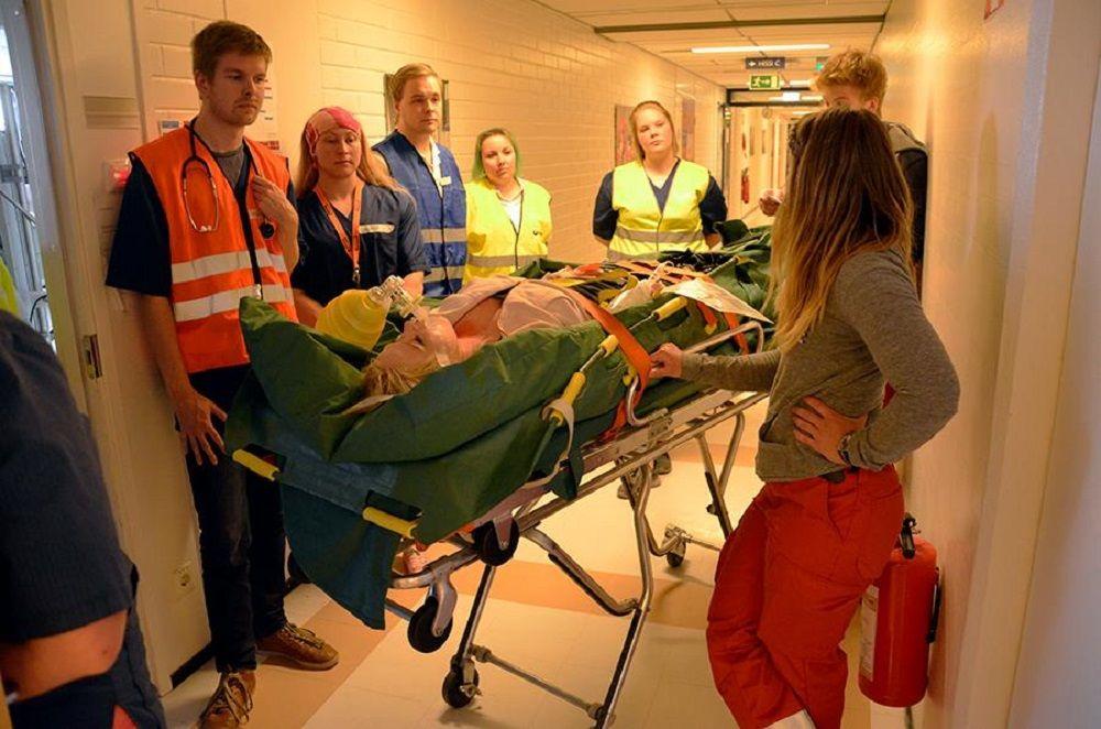 Sinh viên ngành điều dưỡng Đại học KHUD Turku học tập thực tế