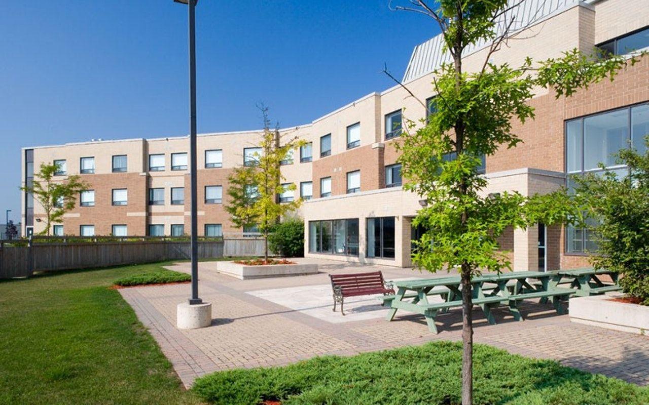Khu nhà ở của Cao đẳng Seneca - King Campus được dùng làm nơi ở cho sinh viên tự cách ly khi đến Canada