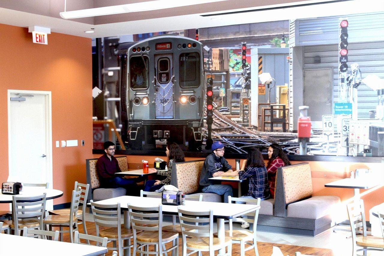 Khu vực canteen của Đại học DePaul