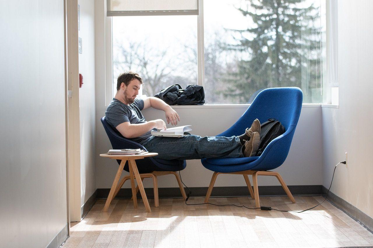 Một góc tự học yên tĩnh của sinh viên Đại học Hofstra